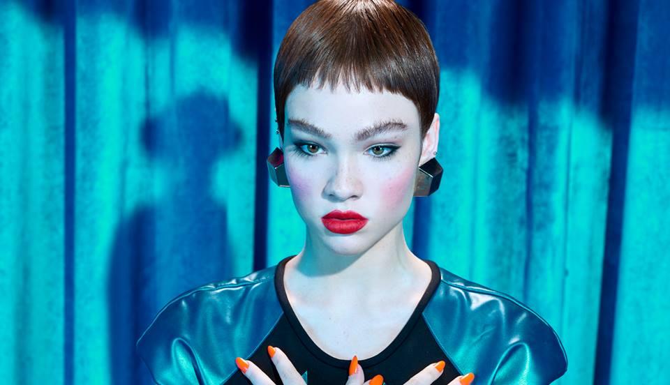 O pop de Jade Baraldo assume novas formas no seu terceiro single