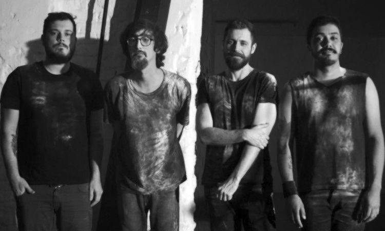 Banda VARNEY explora universos no clipe de 'Saudade'