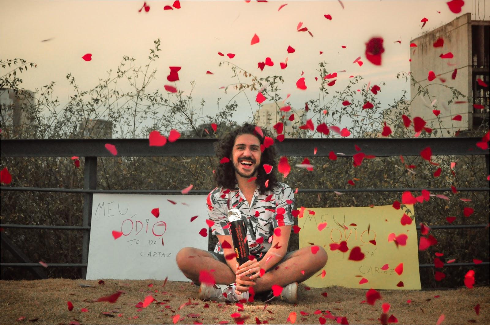 Meu Ódio te Dá Cartaz: Novo single de Cauê