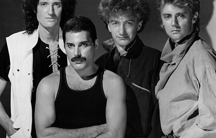 Queen lança versão remasterizada de Bohemian Rhapsody em comemoração a recorde histórico.