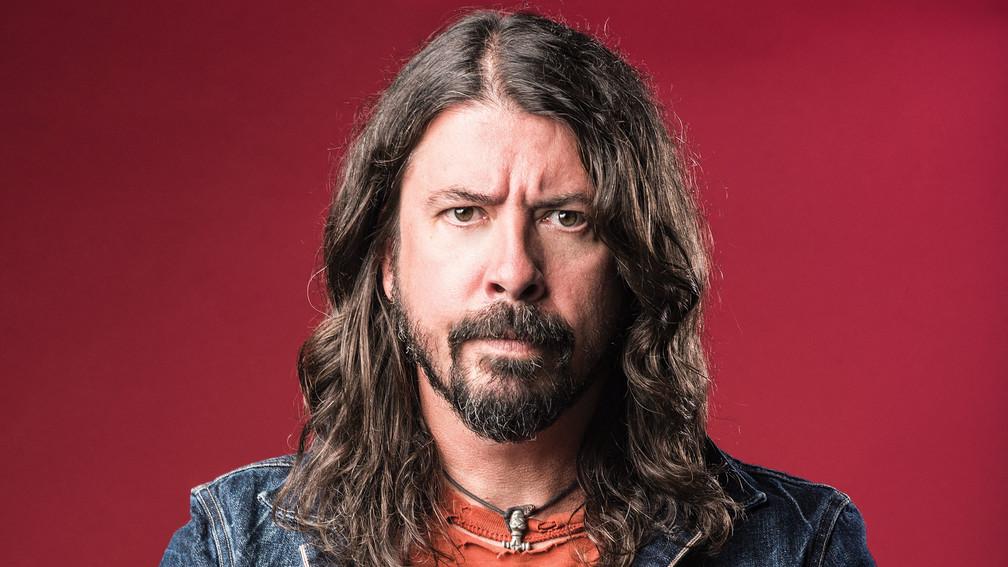 Álbum solo de Dave Grohl antes do Foo Fighters é vendido na internet