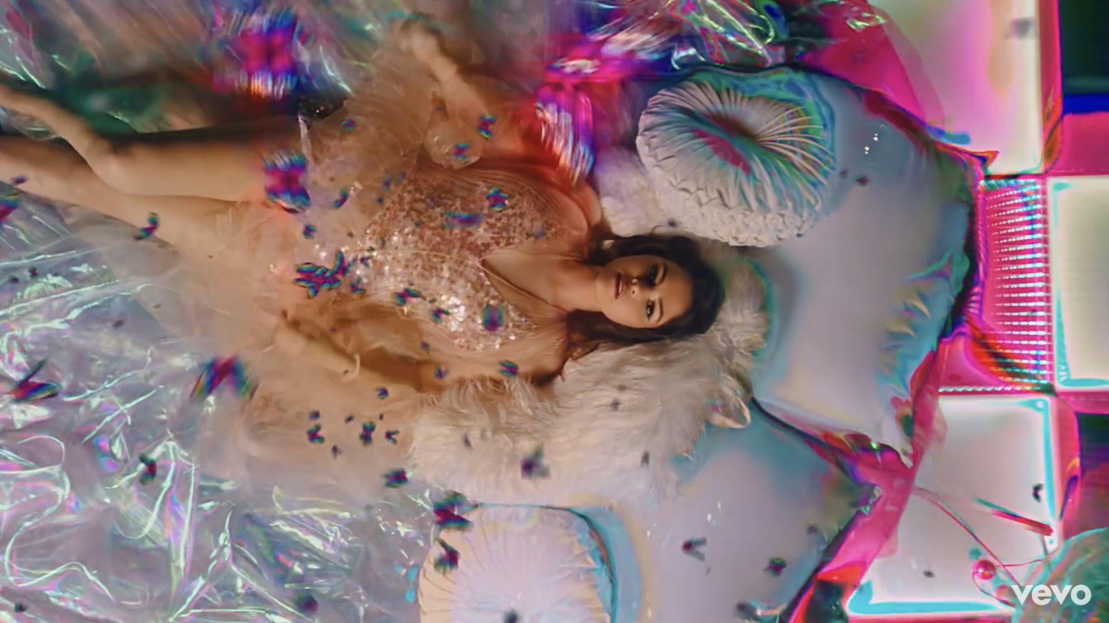 Selena Gomez lança clipe para Rare; assista