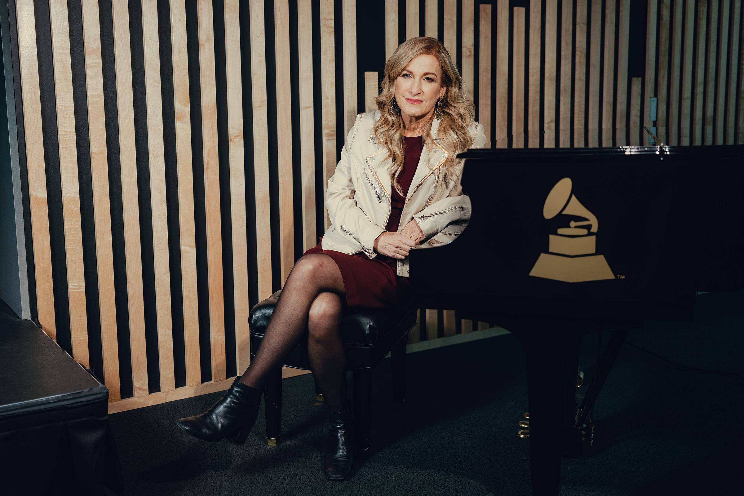 Grammy: Após afastamento, a ex presidente faz graves acusações contra a Academia