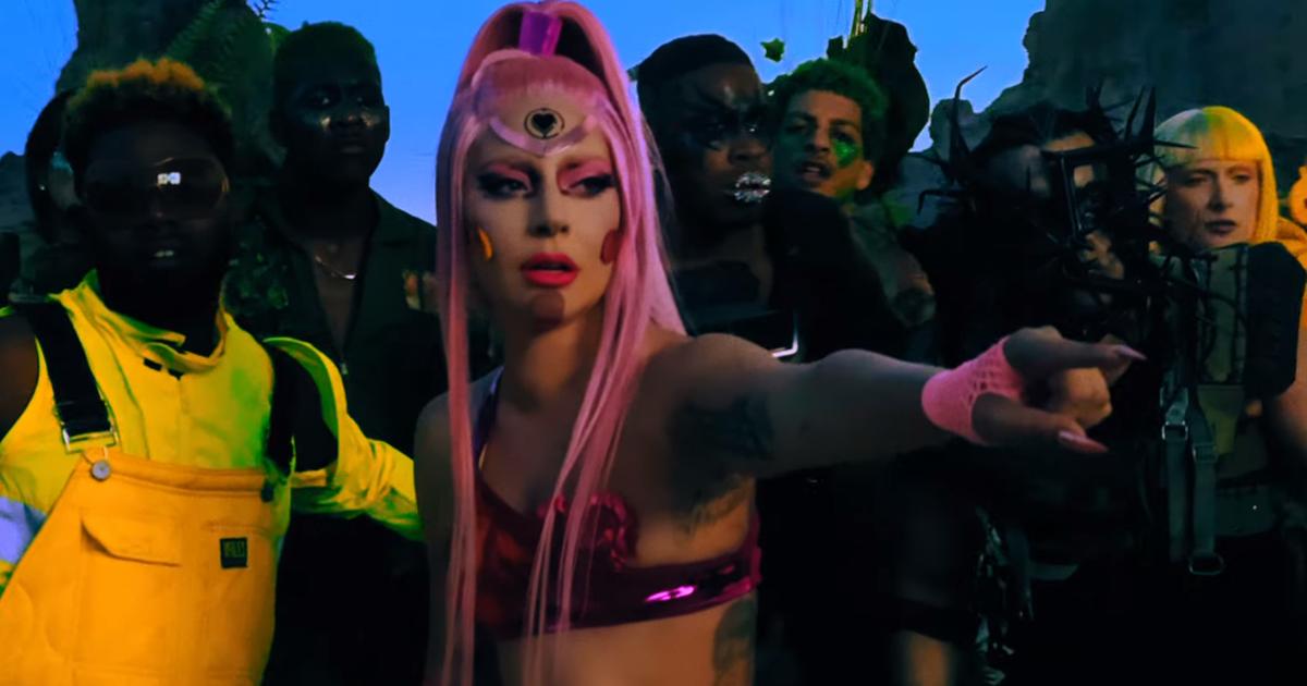 "Lady Gaga divulga clipe do novo single ""Stupid Love"""