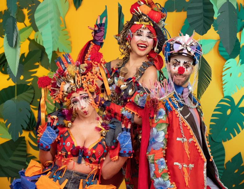 Com sátira ao cenário atual do país, Pseudo Banda lança novo clipe carnavalesco