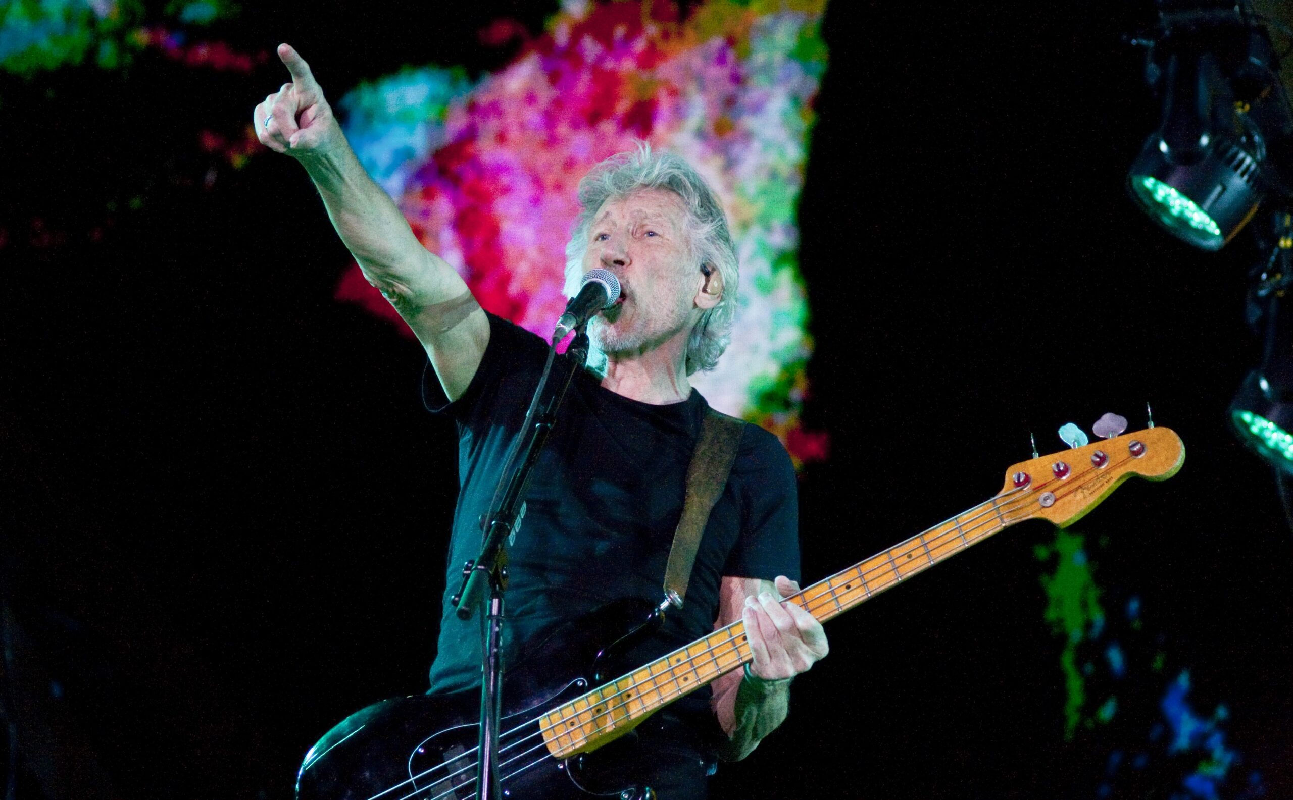 Roger Waters publica vídeo com criticas abertas a governantes mundiais