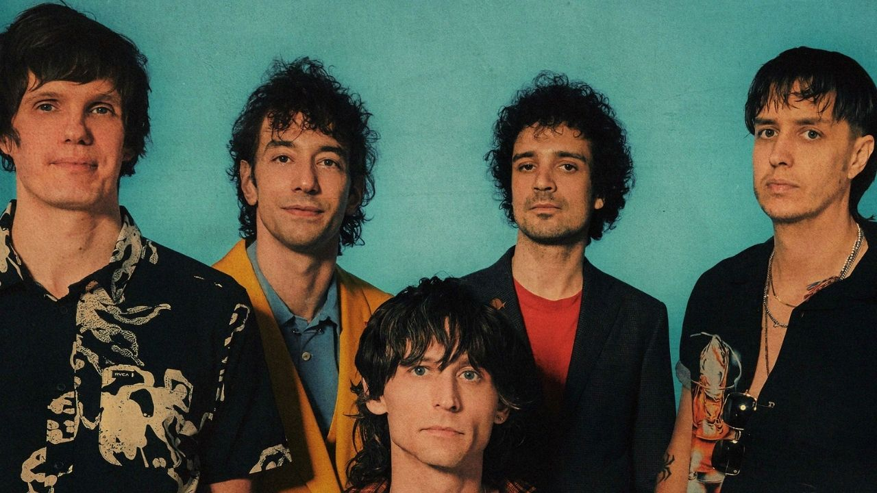 The Strokes divulga vídeo The Adults Are Talking